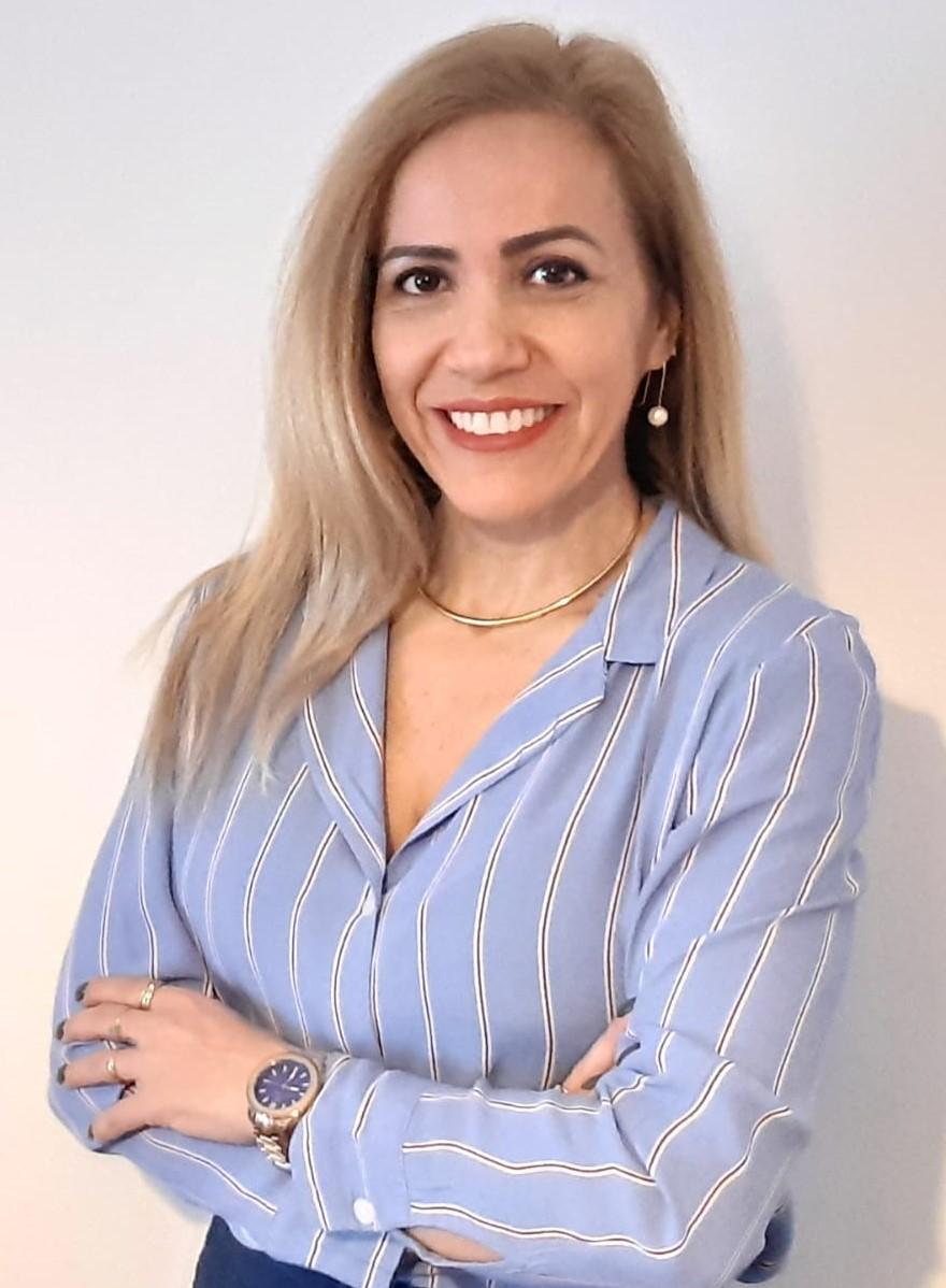 Mónica Nicolau